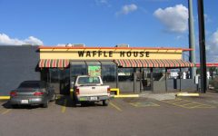 Naked gunman kills at Waffle House