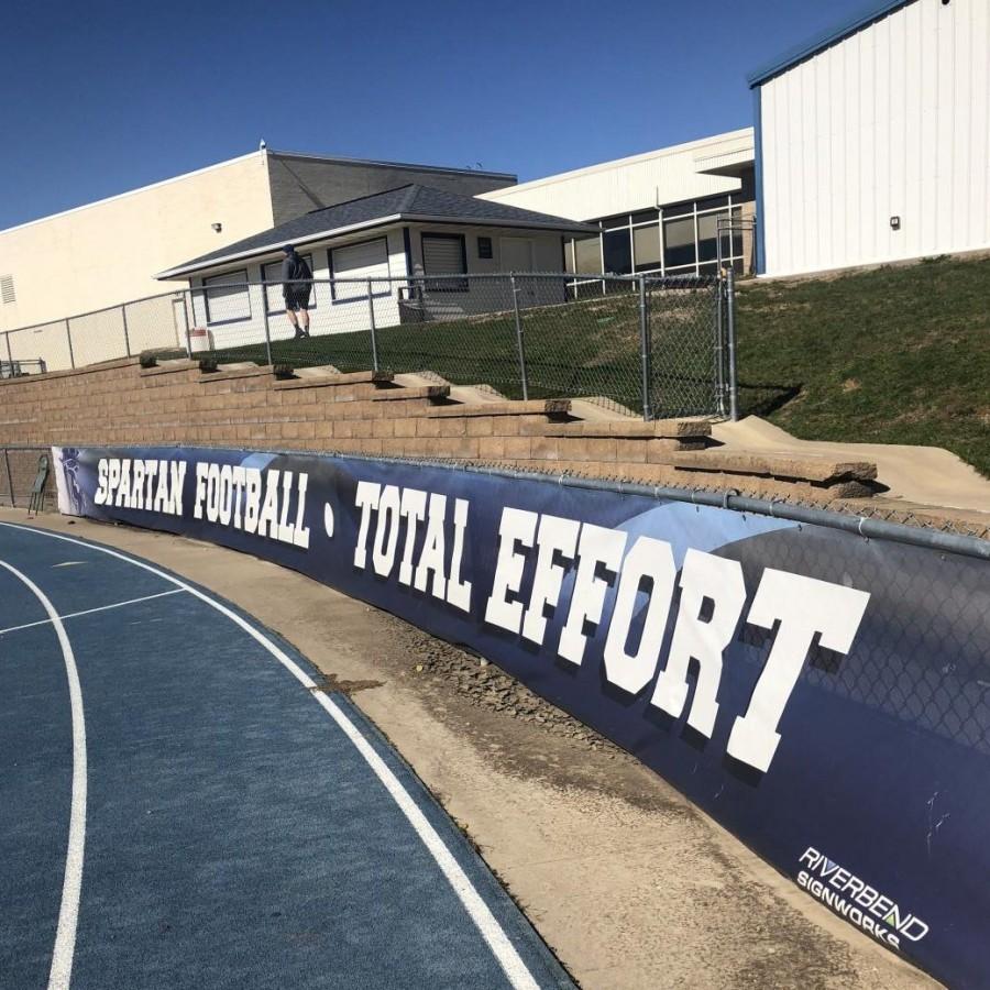 An+inspiring+banner+in+the+football+field.