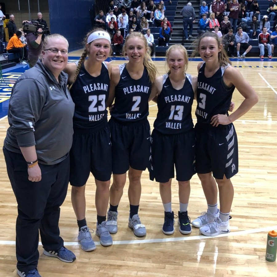 Coach+Jennifer+Goetz%2C+Macy+Beinborn%2C+Adrea+Arthofer%2C+Mallory+Lafever+and+Carli+Spelhaug+together+after+an+impressive+showing+at+the+Iowa+%2F+Illinois+Senior+All+Star+game.