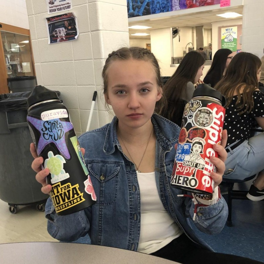 Kylie+Stanborough%2C+a+PV+sophomore%2C+advertises+the+creativity+of+her+friends%E2%80%99+sticker-personalized+water+bottles+during+lunch.%0A