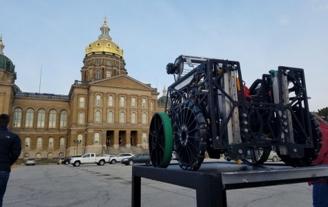 Slideshow: Robotics Team Visits Iowa State Capitol