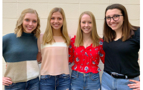 Four seniors named IHSPA Scholars for outstanding work in journalism