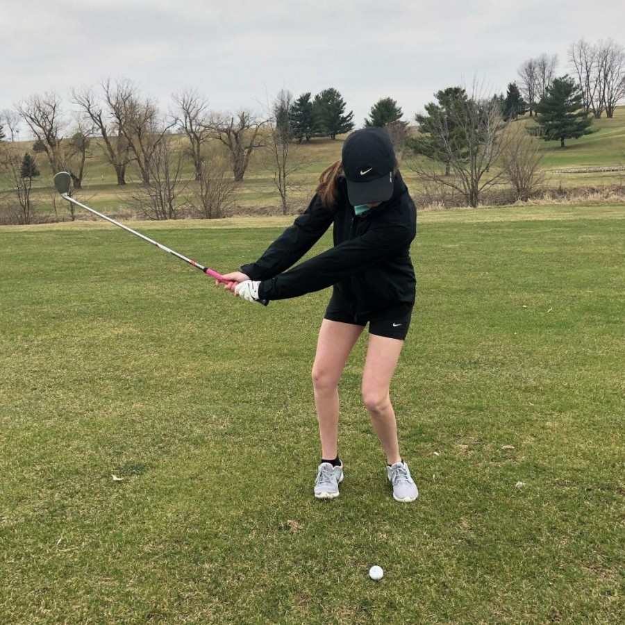 Erika+Holmberg%2C+number+one+player+on+the+PV+Girls%E2%80%99+Golf+team%2C+swings+at+the+ball+on+Hole+22+at+Hidden+Hills+Golf+Course.%0A