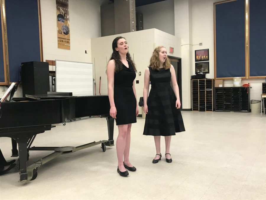 Madison+Wells+and+Christine+Lyon+perform+at+the+Outstanding+Performance+recital+in+Ames%2C+Iowa.+They+are+both+seniors+heavily+involved+in+choir+and+will+be+hosting+a+senior+recital+together.