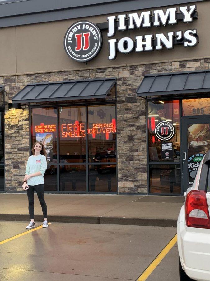 Senior+Abby+Roth+enjoys+sandwiches+from+Jimmy+John%E2%80%99s+for+dinner.