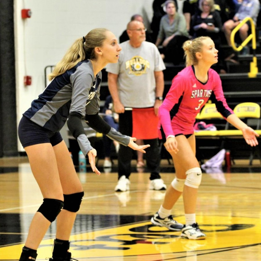 Senior+Sarah+Hoskins+is+focused+and+ready+to+receive+the+ball+during+a+match+against+Bettendorf.