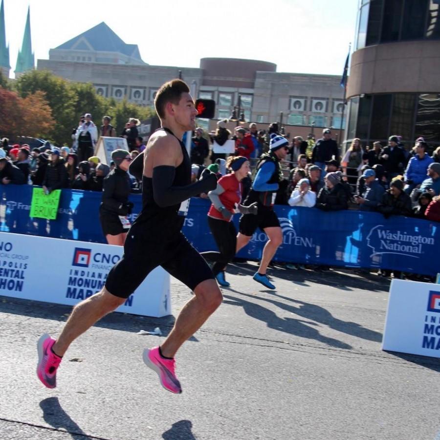Austin+O%E2%80%99Brien+pushes+himself+through+the+final+miles+of+the+marathon.%0A