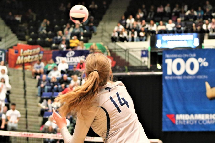 Chloe+Cline+serves+the+ball+during+the+game+against+Iowa+City+Liberty.