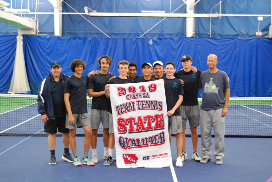 +Pleasant+Valley+boys+tennis+team+being+awarded+their+state+qualifier+flag+for+their+2019+season.+%0A
