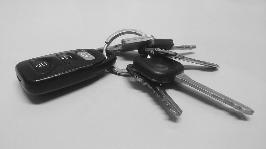 An example of a key fob to a modern car, which is one way thieves are easily breaking into cars.