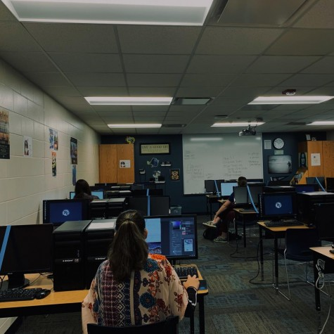 Hybrid B students work in class while socially distancing. PVHS is divided into three groups: Hybrid A, B and remote learners. Online learners do not attend school, while hybrid students attend alternating days.