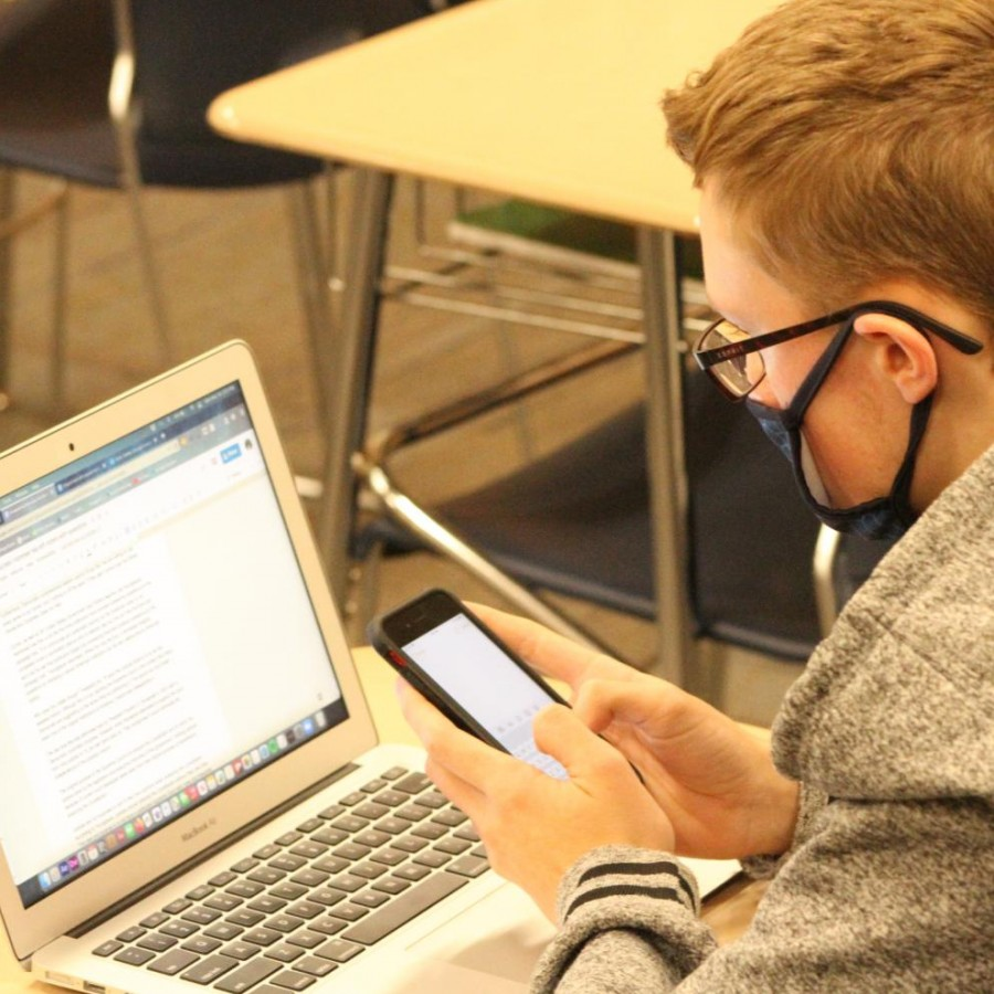 Student Jonathan Sulgrove is one of many students at PV who prefers to use Apple devices, and displays the dominance of Apple's notebooks and smartphones at PVHS.