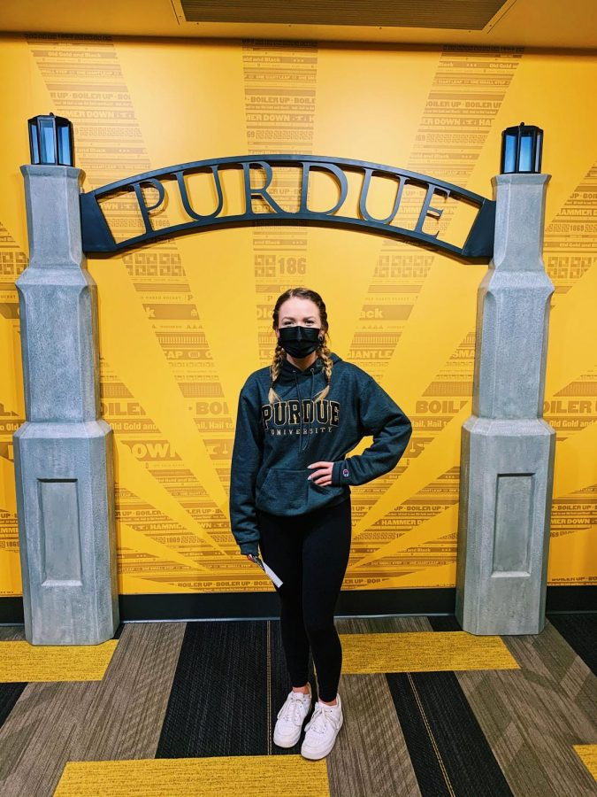 Senior%2C+Anna+Thorne+visits+Purdue+University+while+still+being+required+to+wear+a+mask+on+campus.