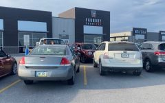 For the first time since the start of the pandemic, parking lots around restaurants are seen completely packed.