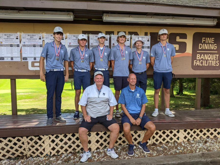 The PV Boys' Golf Team poses after their MAC victory at Midland Hills Golf Club in Kewanee, Illinois.