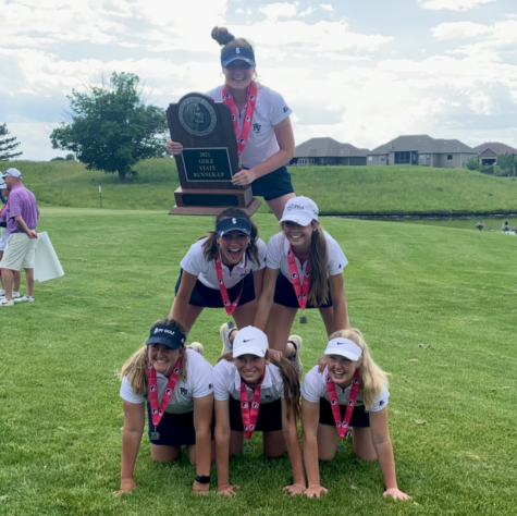The 2021 PV varsity girls' golf team poses after placing runner-up at the 2021 state championship.